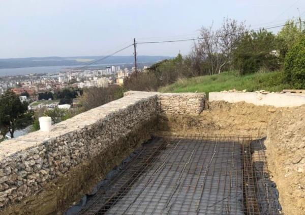 басейн от полистоун,габиони,м-т Пчелина, гр.Варна